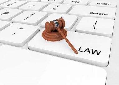 How can a Law Firm SEO expert help lawyers increase target viewers?