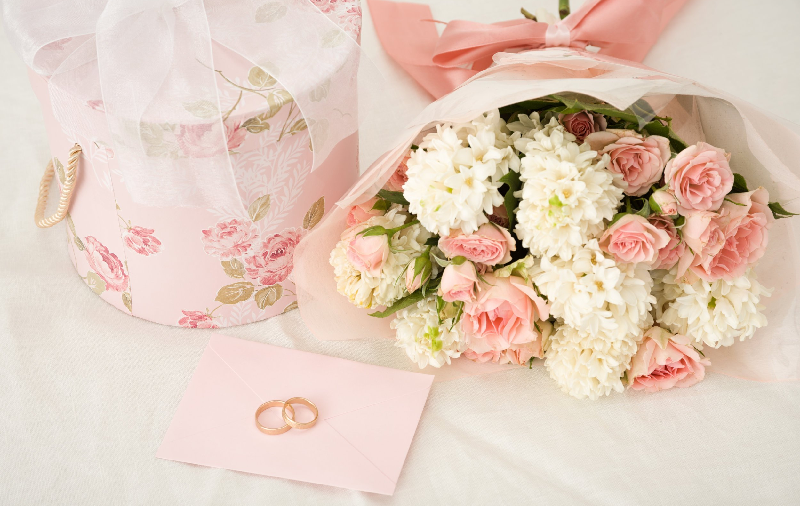 Ditch the classic wedding anniversary gift – Top 3 Memorable And Romantic Experiences